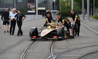 Andre Lotterer, DS TECHEETAH, DS E-Tense FE19, on the tram tracks