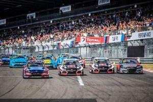 Start des WTCR 2019 auf der Nürburgring-Nordschleife