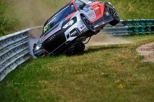Crash: Niels Langeveld, Comtoyou Team Audi Sport Audi RS 3 LMS