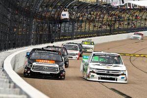 Todd Gilliland, Kyle Busch Motorsports, Toyota Tundra JBL/SiriusXM, Ross Chastain, Niece Motorsports, Chevrolet Silverado TruNorth/Paul Jr. Designs