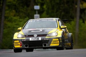 #89 Giti Tire Motorsport by WS Racing VW Golf VII GTI: Ronja Assmann, Petra Baecker, Jasmin Preisig