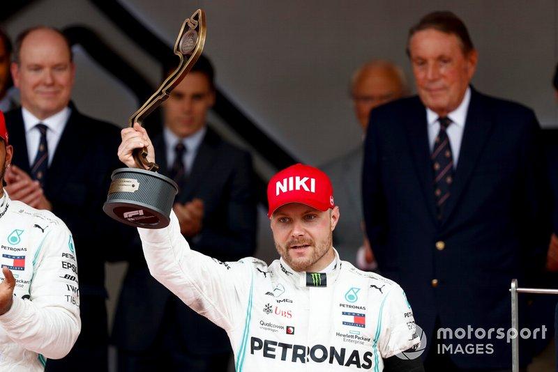 Podio: tercer lugar Valtteri Bottas, Mercedes AMG F1 celebra