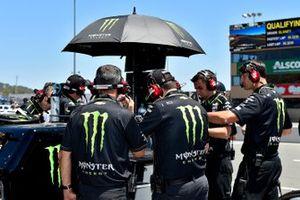 Kurt Busch, Chip Ganassi Racing, Chevrolet Camaro Monster Energy crew