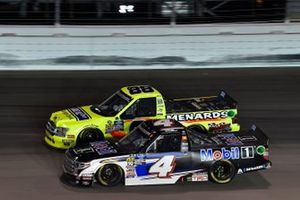Todd Gilliland, Kyle Busch Motorsports, Toyota Tundra Mobil 1, Matt Crafton, ThorSport Racing, Ford F-150 Ideal Door/Menards
