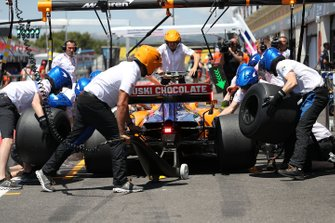 Lando Norris, McLaren MCL34, makes a stop during practice