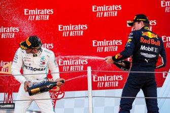Победитель Льюис Хэмилтон, Mercedes AMG F1, третье место – Макс Ферстаппен, Red Bull Racing