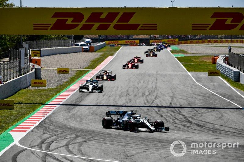 Lewis Hamilton, Mercedes AMG F1 W10, guida Valtteri Bottas, Mercedes AMG W10, Max Verstappen, Red Bull Racing RB15, Sebastian Vettel, Ferrari SF90, e Charles Leclerc, Ferrari SF90