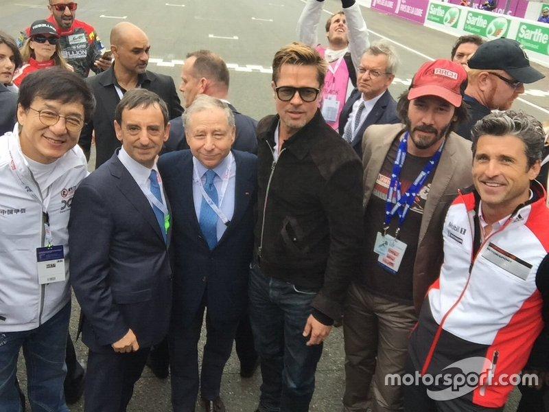 El actor Jackie Chan, Pierre Fillon, Jean Todt, Brad Pitt, Keanu Reeves y Patrick Dempsey