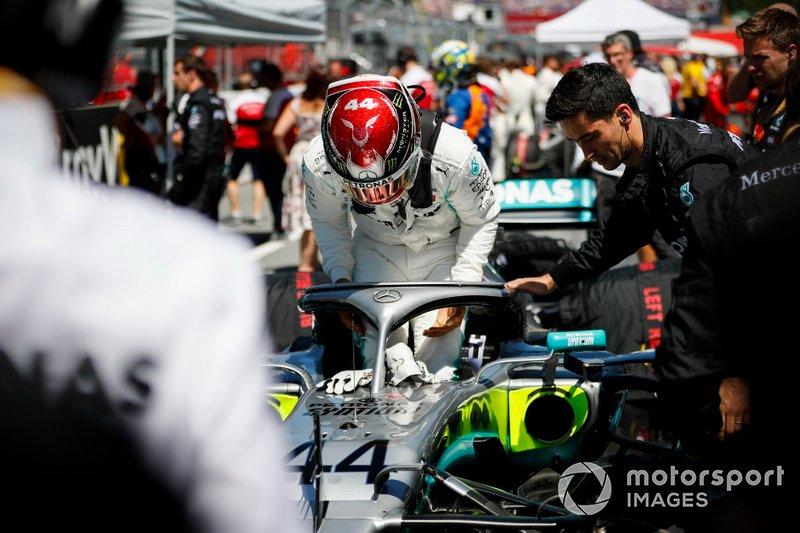 Lewis Hamilton, Mercedes AMG F1 sulla griglia
