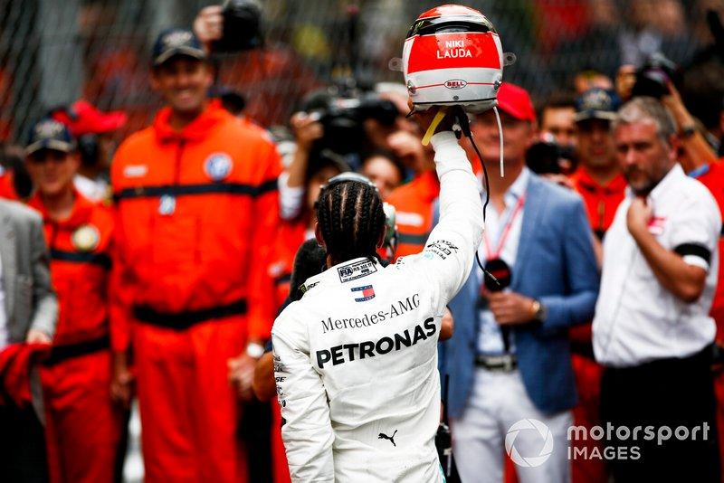 Yarış galibi Lewis Hamilton, Mercedes AMG F1, Parc Ferme