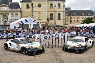 №91 Porsche GT Team Porsche 911 RSR: Рихард Литц, Джанмария Бруни, Фредерик Маковеки; №92 Porsche GT Team Porsche 911 RSR: Майкл Кристенсен, Кевин Эстре, Лоренс Вантхор