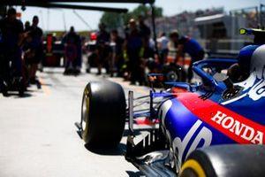 Toro Rosso pit stop