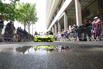 Автомобиль Ferrari 488 GTE (№57) команды Car Guy Racing