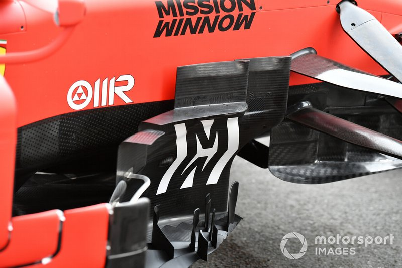 Front Bargeboard on Ferrari SF90