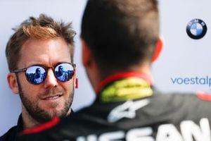 Sam Bird, Envision Virgin Racing, talks to Sébastien Buemi, Nissan e.Dams