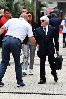 Jo Bauer, Delegado Técnico de la FIA y Bernie Ecclestone
