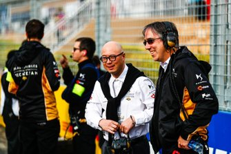 Mark Preston, Team Principal, DS TECHEETAH, Edmund Chu, DS TECHEETAH President on the grid