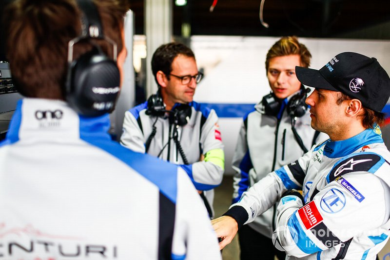Felipe Massa, Venturi Formula E talks to Venturi engineers