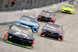 Alex Bowman, Hendrick Motorsports, Chevrolet Camaro Axalta, Denny Hamlin, Joe Gibbs Racing, Toyota Camry FedEx Express