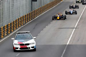 Le Safety Car en piste