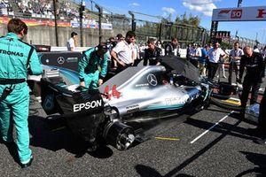 Lewis Hamilton, Mercedes-AMG F1 W09, sur la grille