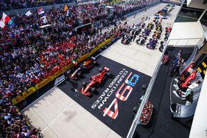 Max Verstappen, Red Bull Racing, 2° classificato, Kimi Raikkonen, Ferrari, 1° classificato, e Lewis Hamilton, Mercedes AMG F1, 3° classificato, sul podio