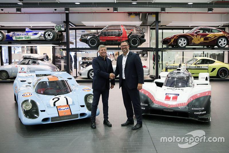 Fritz Enzinger, Vice President Porsche LMP1 Team, Achim Stejskal, Director Porsche Museum with the Porsche 917 K and Porsche 919 Hybrid Evo
