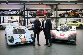 Achim Stejskal, Porsche Museum Direktörü, Fritz Enzinger, Porsche LMP1 Team başkan yardımcısı, Porsche 917 K and Porsche 919 Hybrid Evo
