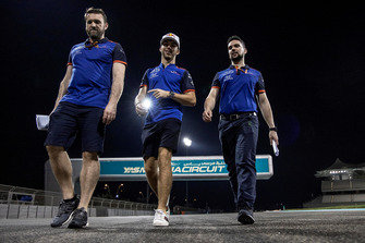 Pierre Gasly, Scuderia Toro Rosso parcourt la piste à pied