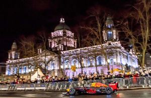 David Coulthard, Red Bull Racing, davanti alla Belfast City Hall