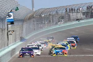 Denny Hamlin, Joe Gibbs Racing, Toyota Camry FedEx Express, Kyle Busch, Joe Gibbs Racing, Toyota Camry M&M's
