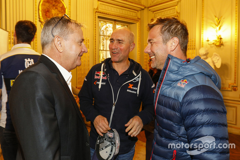 Etienne Lavigne con Stéphane Peterhansel y Sébastien Loeb