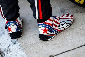 Speciale schoenen voor Kevin Magnussen, Haas F1 Team