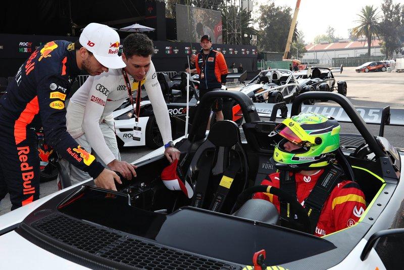 Pierre Gasly and Loic Duval talk to Mick Schumacher, VUHL 05 ROC Edition 2019