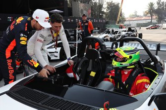 Pierre Gasly and Loic Duval talk to Mick Schumacher, VUHL 05 ROC Edition 2019