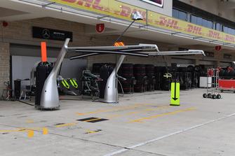 Mercedes-AMG F1 pit box