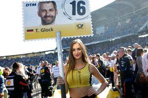 Grid girl van Timo Glock, BMW Team RMG