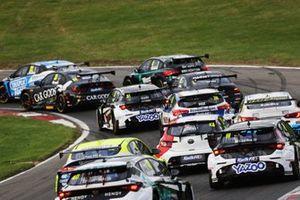 BTCC Action at Brands Hatch