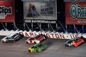 Kyle Larson, Chip Ganassi Racing, Chevrolet Camaro DC Solar and Kasey Kahne, Leavine Family Racing, Chevrolet Camaro Dumont JETS