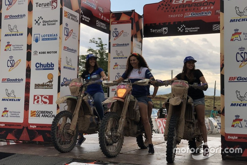 Podio femenino Baja Aragón 2018: Rosa Romero, Sara García y Rita Vieira