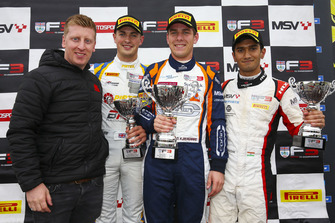 Podium: Race winner Nicolai Kjaergaard, Carlin, second place Jamie Caroline, Douglas Motorsport, third place Krishnaraaj Mahadik, Double R