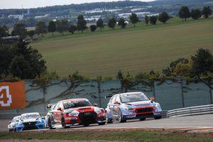 Niels Langeveld, Racing One, Audi RS 3 LMS TCR, e Luca Engstler, Team Engstler, Hyundai i30 N TCR