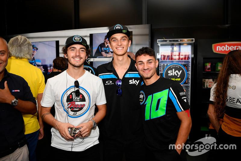 Francesco Bagnaia, Sky Racing Team VR46 con Luca Marini, Sky Racing Team VR46 y Dennis Foggia, Sky Racing Team VR46, durante las celebraciones por su 100 GP