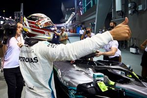 Lewis Hamilton, Mercedes AMG F1, festeggia la pole