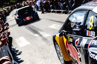 Sébastien Loeb, Team Peugeot Total, en el desfile
