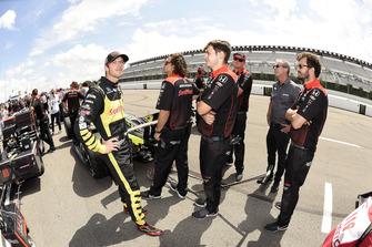 Sebastien Bourdais, Dale Coyne Racing with Vasser-Sullivan Honda en crew
