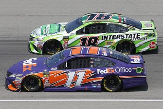 Kyle Busch, Joe Gibbs Racing, Toyota Camry Interstate Batteries Denny Hamlin, Joe Gibbs Racing, Toyota Camry FedEx Office
