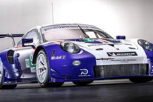 Автомобиль Porsche 911 RSR (№91) команды Porsche GT Team в особом окрасе