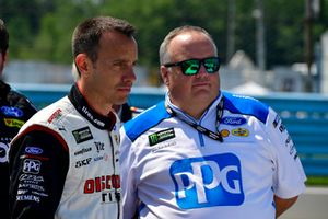 Paul Wolfe, Jeremy Bullins, Brad Keselowski, Team Penske, Ford Fusion Wabash National, Ryan Blaney, Team Penske, Ford Fusion PPG