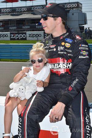 Brad Keselowski, Team Penske, Ford Fusion, mit Tochter Scarlett